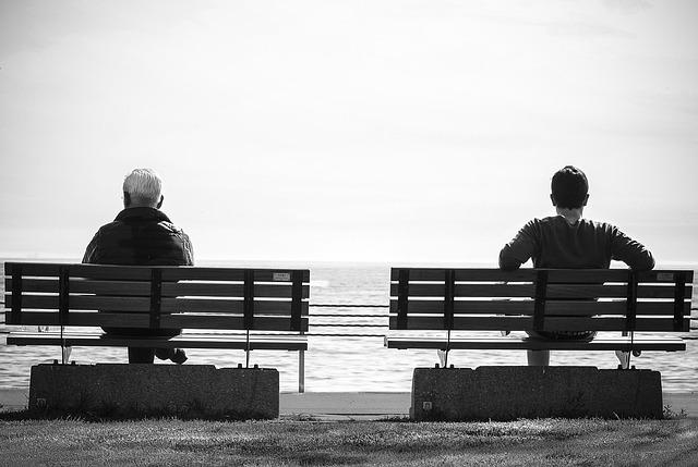 bench-1839287_640
